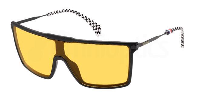 003 (W7) TH GIGI HADID4 Sunglasses, Tommy Hilfiger