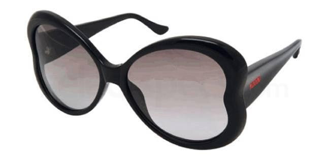 41 MO598 Sunglasses, Moschino