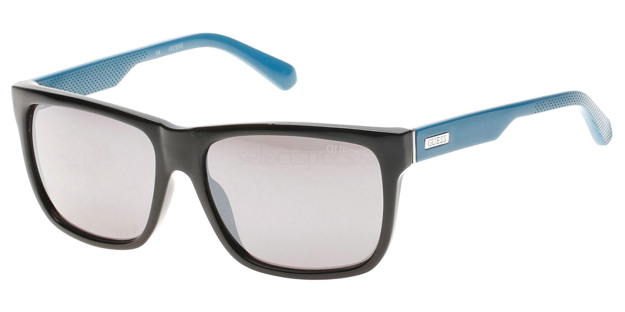 01C GU6838 Sunglasses, Guess