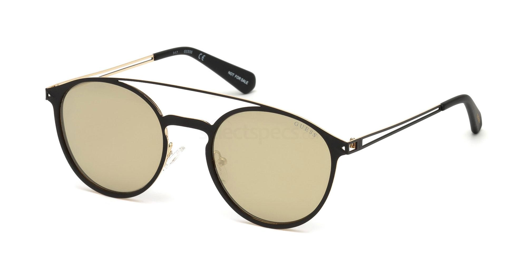 02G GU6921 Sunglasses, Guess