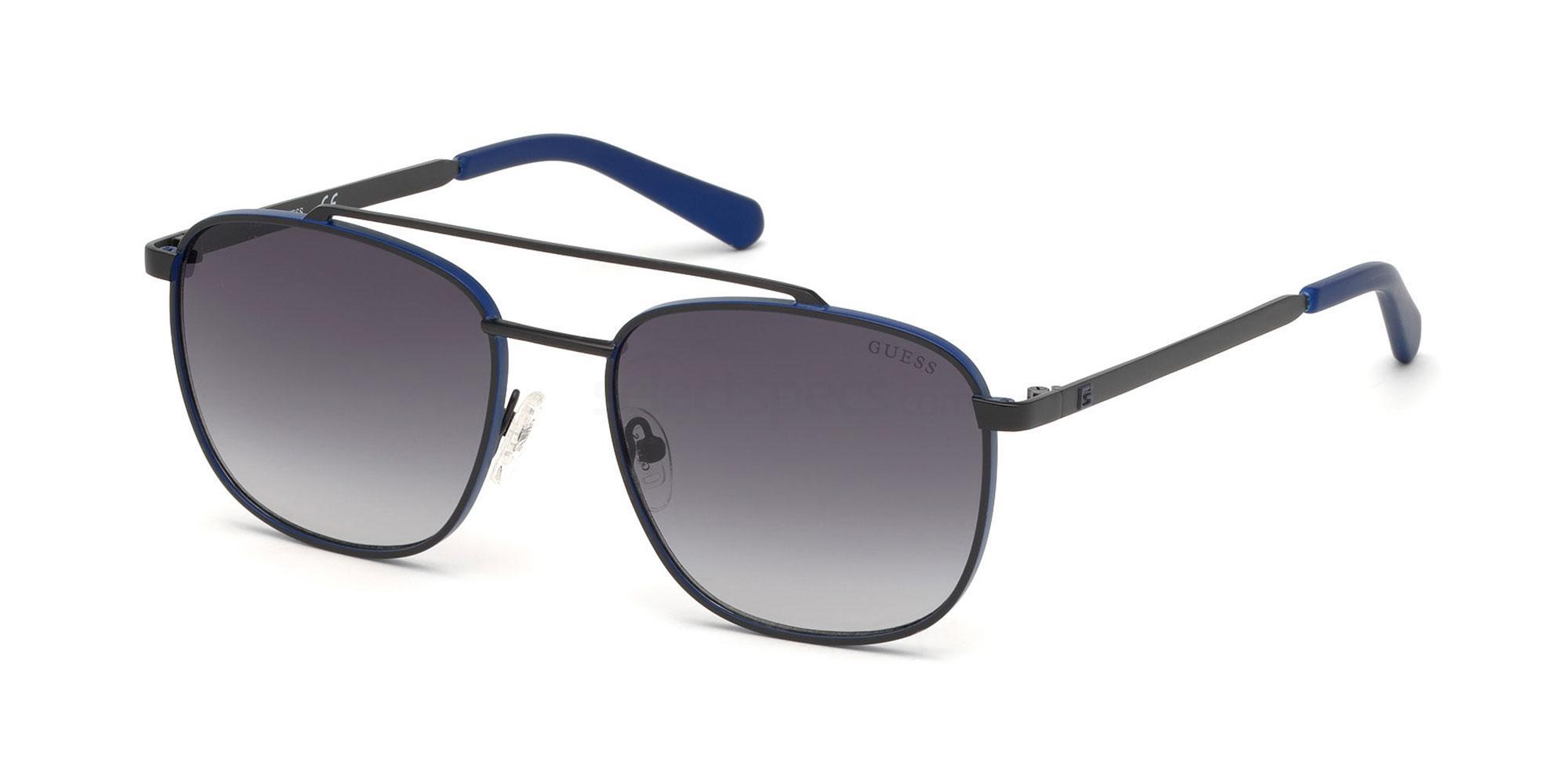 02B GU6946 Sunglasses, Guess