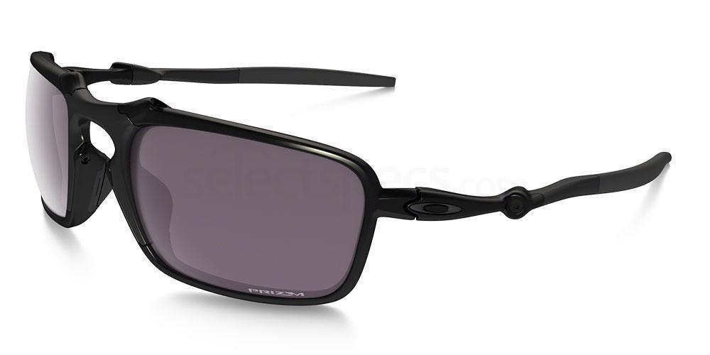 602006 OO6020 DAILY POLARIZED BADMAN Sunglasses, Oakley