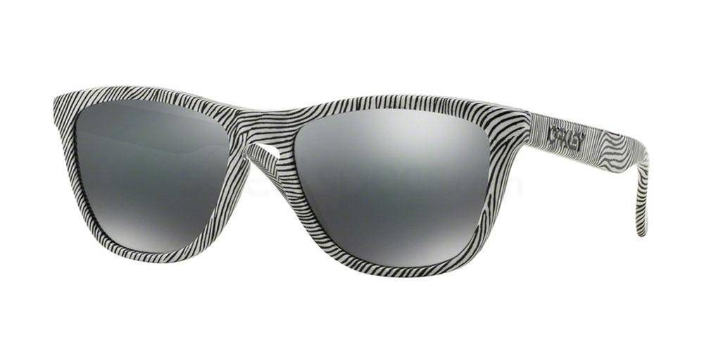 901352 OO9013 FROGSKINS FINGERPRINT Sunglasses, Oakley
