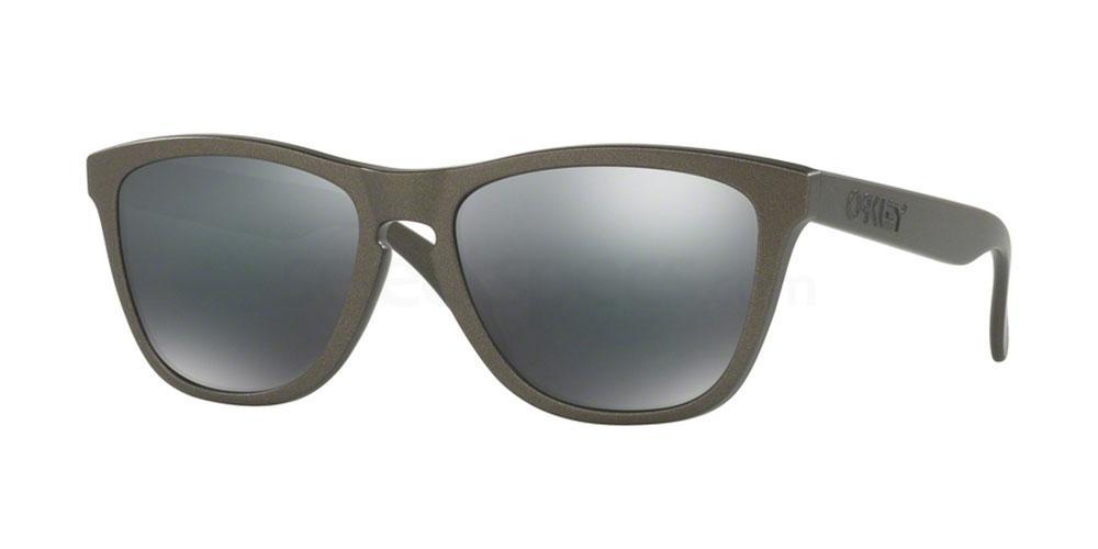 901387 OO9013 FROGSKINS Sunglasses, Oakley