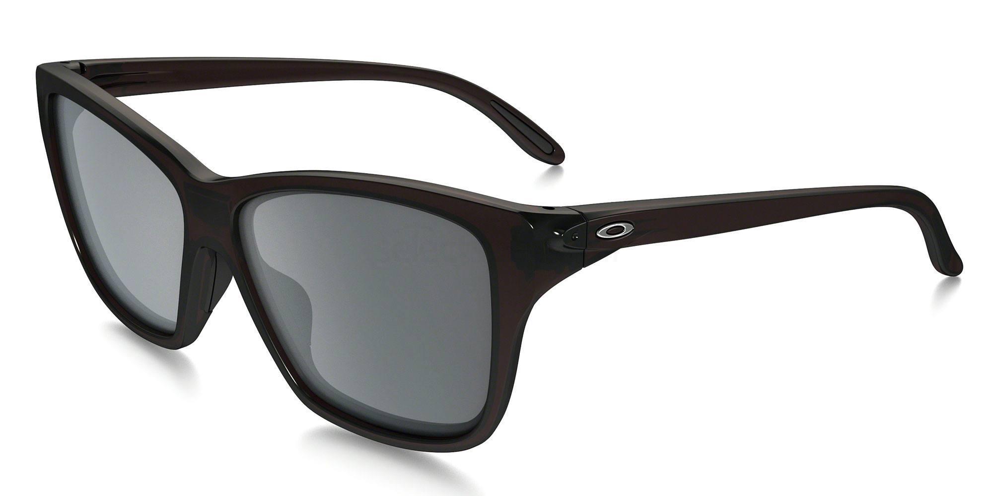 929804 OO9298 HOLD ON (Standard) Sunglasses, Oakley Ladies