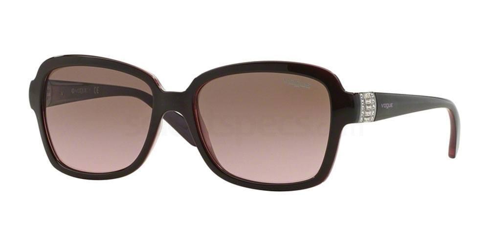 194114 VO2942SB Sunglasses, Vogue