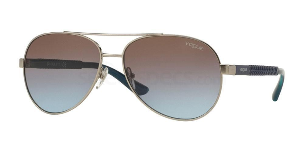 323/48 VO3997S Sunglasses, Vogue