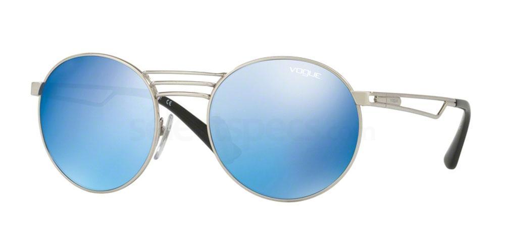 323/55 VO4044S Sunglasses, Vogue