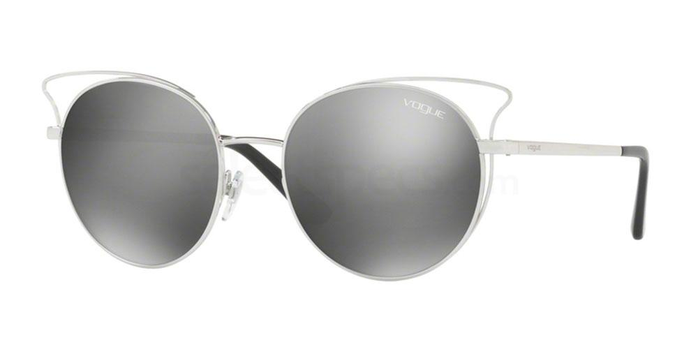 323/6G VO4048S Sunglasses, Vogue