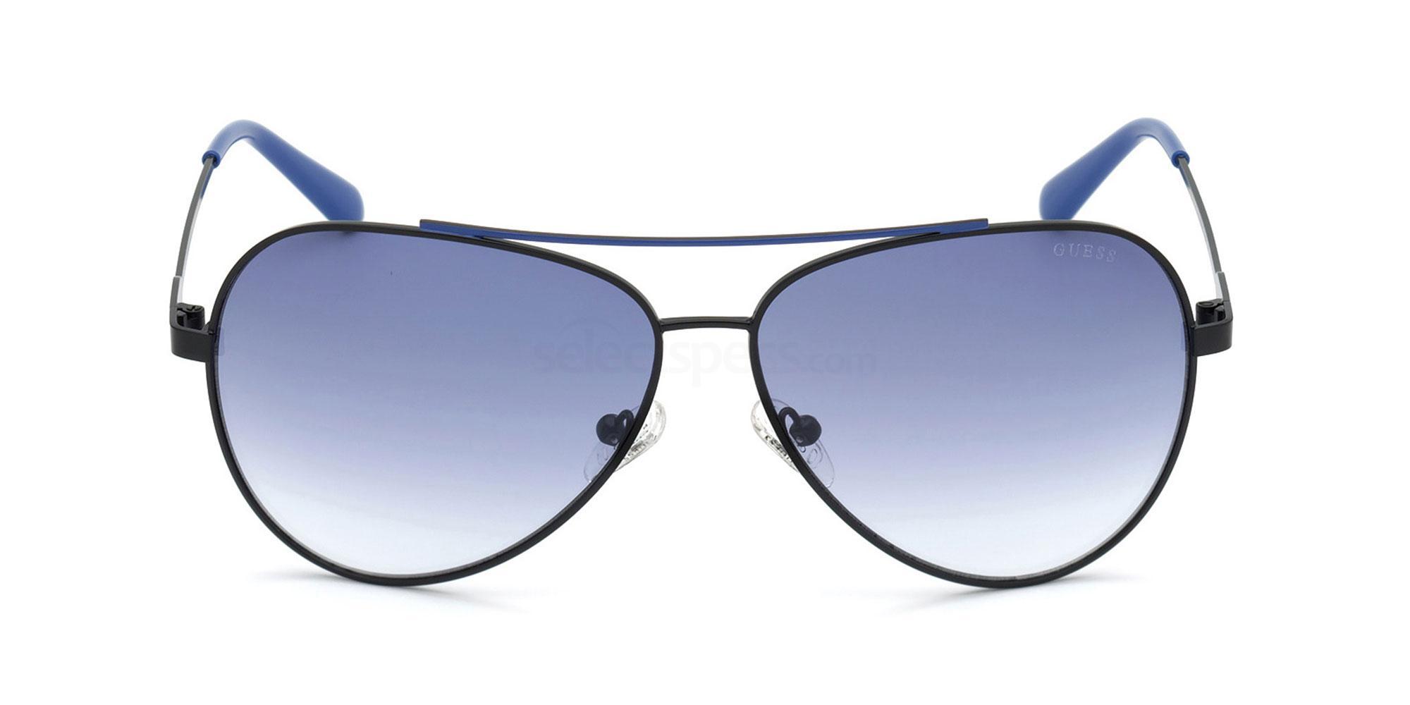 02W GU6972 Sunglasses, Guess