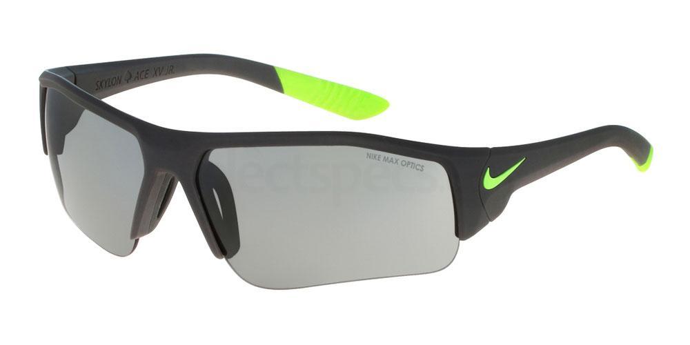 003 SKYLON ACE XV JR EV0900 Sunglasses, Nike TEENS